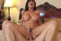 Lisa Ann gode una bollente chiavata